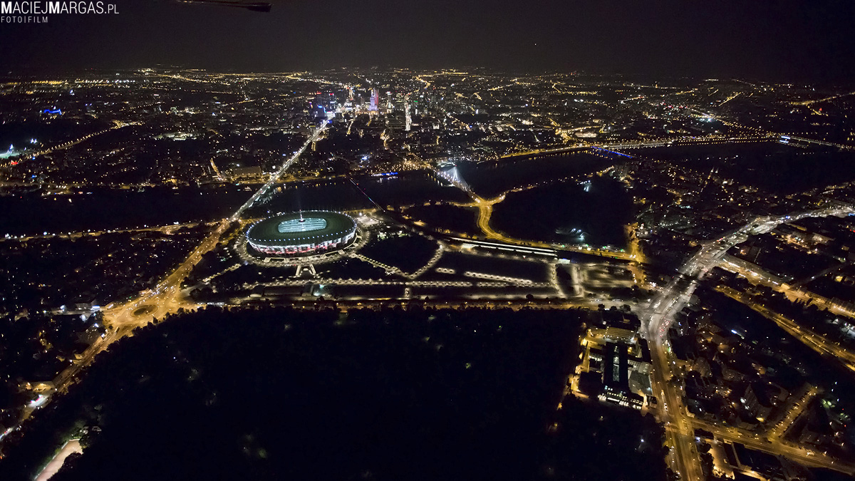 helikmargas-14 Ponad Miastem - nocna Warszawa z lotu ptaka