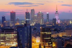 plac-unii-61-300x200 Panoramy Warszawy | noc