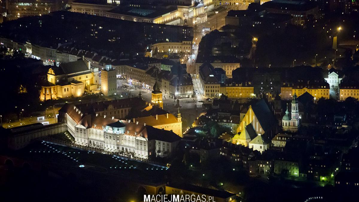 stm Ponad Miastem - nocna Warszawa z lotu ptaka